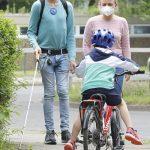 Blindenassistenz auf der Straße – Deutsches Taubblindenwerk